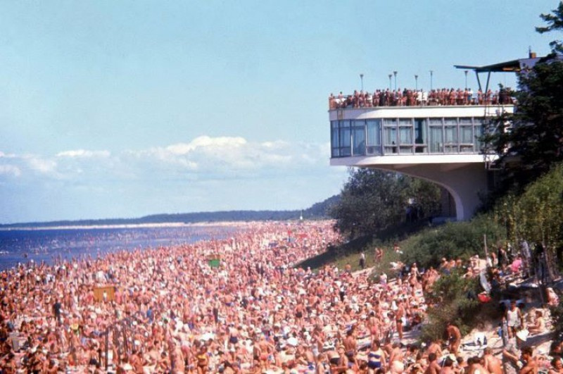 Файл:Jurmala with occupiers.jpg