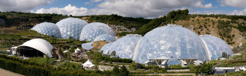 Файл:800px-Eden Project geodesic domes panorama.jpg