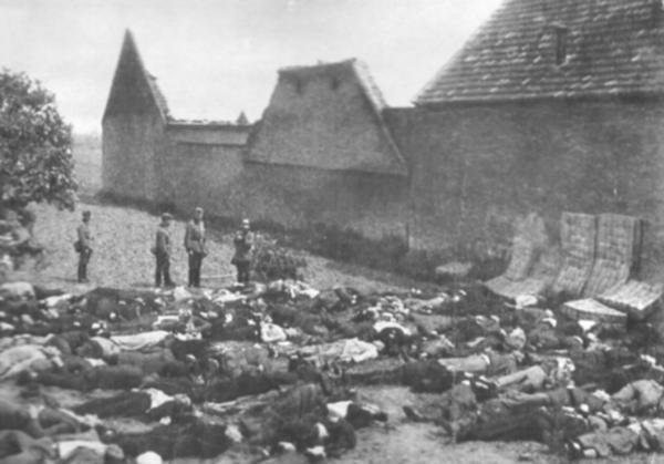 Файл:Lidice massacred men.jpg