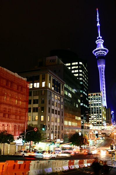 Файл:DowntownAucklandNight.jpg