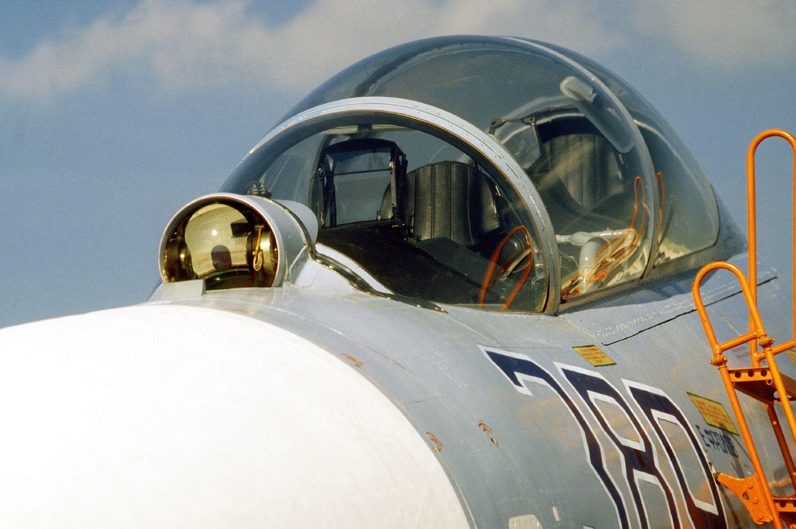 запах блоттере полировка фонаря кокптита модели самолета имеют мужчины