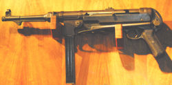 German MP40 Machine Pistol.jpg