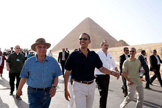 President Barack Obama tours the Pyramids and Sphinx with Secretary General of the Egyptian Supreme Council of Antiquities.jpg