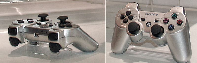 Файл:PS3 controllers at CES 2006.jpg